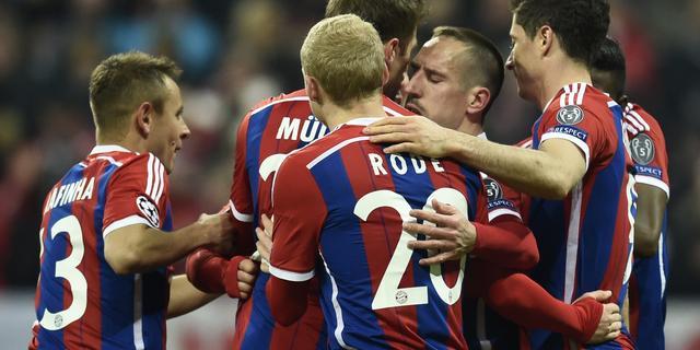 Bayern vernedert tien man Sjachtar ondanks uitvallen Robben