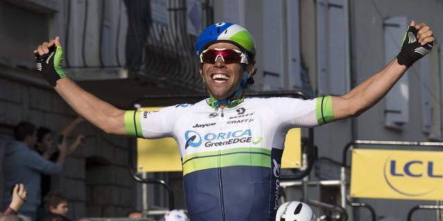 Matthews pakt leiding Parijs-Nice met winst derde etappe