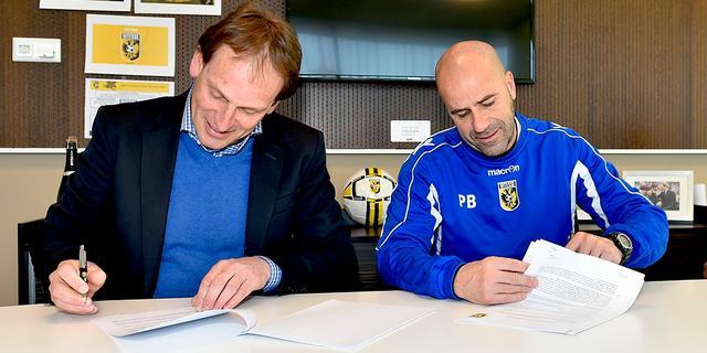 Vitesse verlengt contract trainer Bosz met een jaar