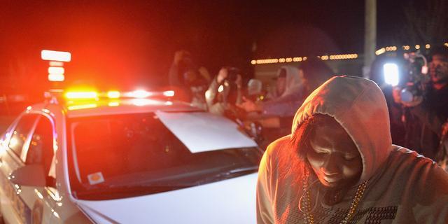 Politie in Ferguson krijgt versterking na recente schermutselingen