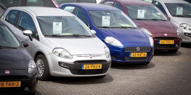 Verkoop tweedehands auto's stevent af op record