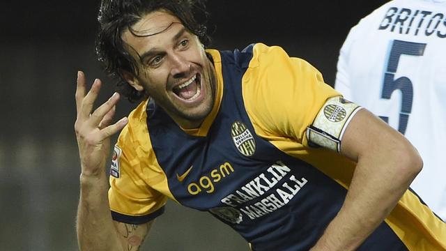 Italiaanse spits Luca Toni (38) zet punt achter loopbaan