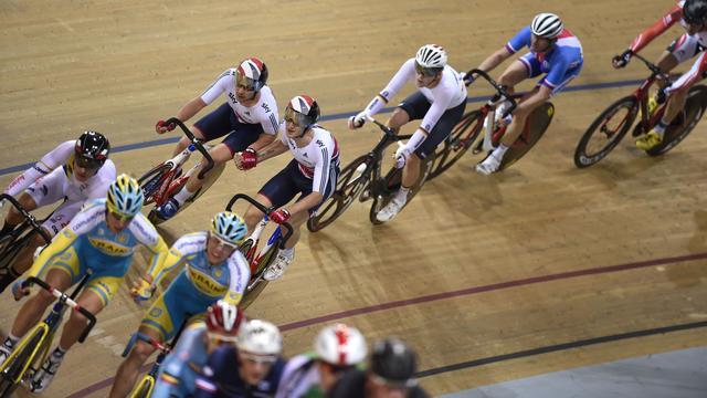 UCI gaat testen met gemengde wielerteams op baan