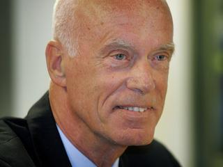 Oud-voorzitter stoort zich aan slepende kwestie rond De Kuip