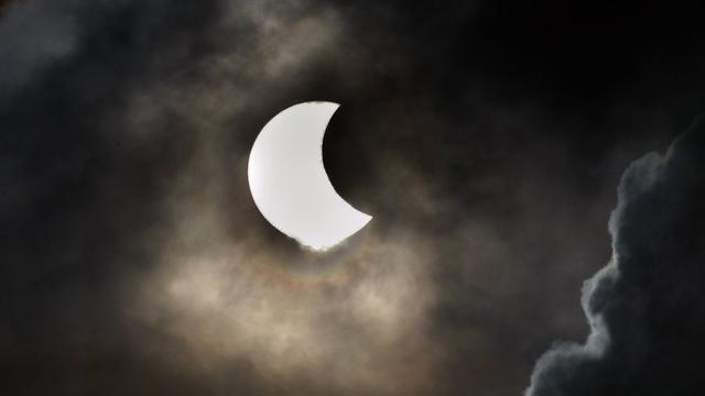 Vrijdag 20 maart: Gedeeltelijke zonsverduistering waarschijnlijk te zien