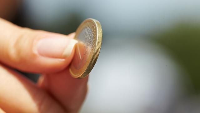 Contant geld binnen eurozone minst populair in Nederland