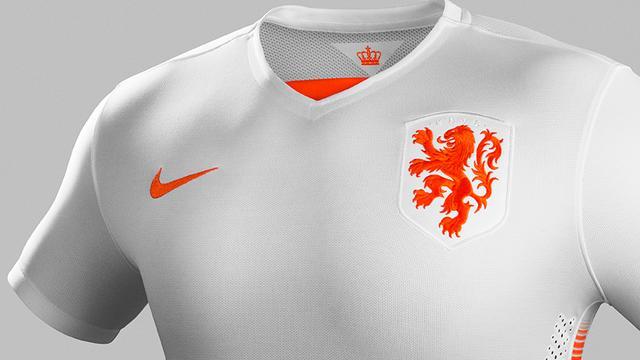 KNVB presenteert nieuw uittenue Nederlands elftal