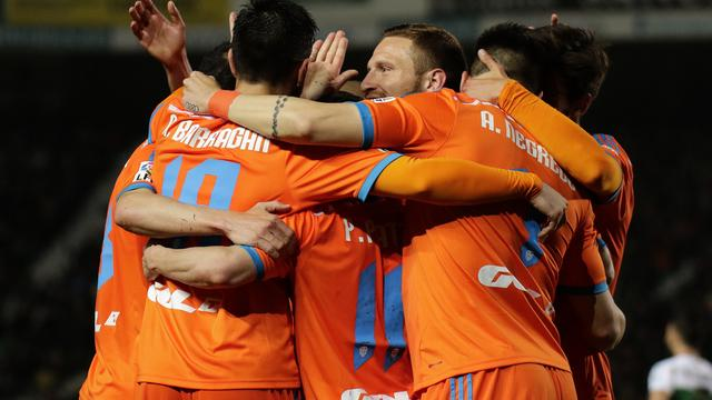 Valencia steviger op derde plaats na zege op Elche