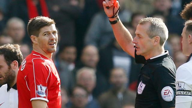 Gerrard diep door het stof na snelle rode kaart