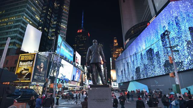 Politie New York verrast Brits stel op sociale media met vondst verlovingsring