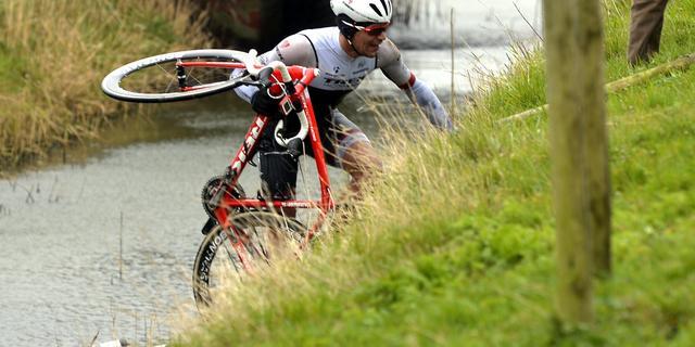 Steegmans ontbreekt na nieuwe val in Ronde van Vlaanderen