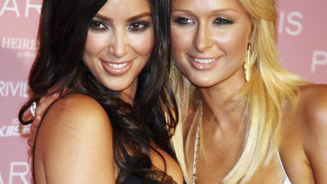 Paris Hilton blij 'inspiratiebron' voor Kim Kardashian te zijn