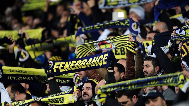 Chauffeur ernstig gewond bij aanslag op spelersbus Fenerbahçe