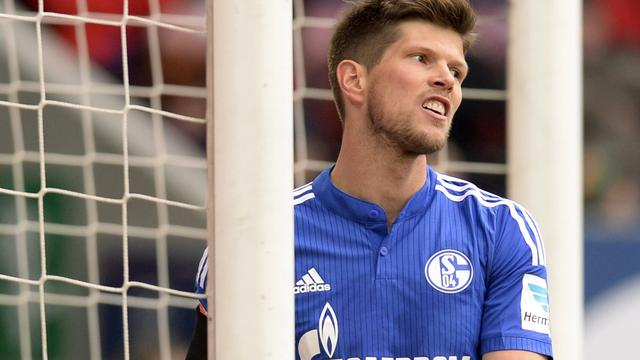 Huntelaar gelijk met Schalke bij Augsburg, rentree Verhaegh