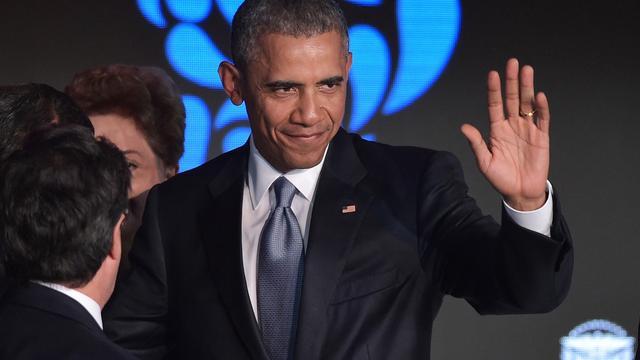 Obama en Castro begroeten elkaar op top in Panama
