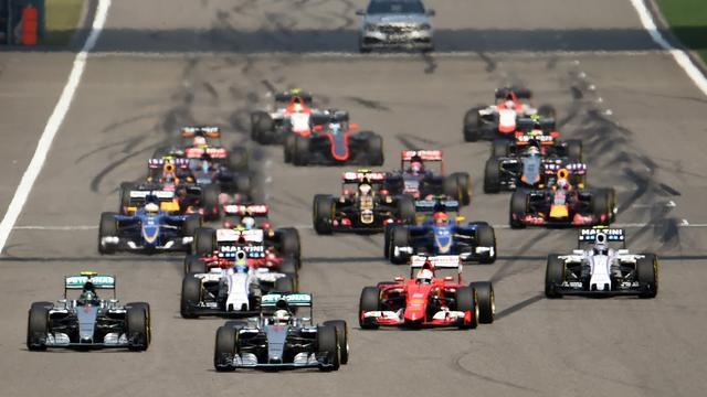 Formule 1-coureurs mogen vanaf 2017 weer tanken