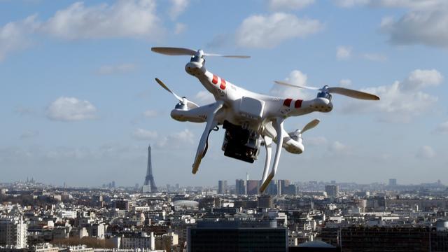 Nederlander vliegt in zelfgemaakte drone