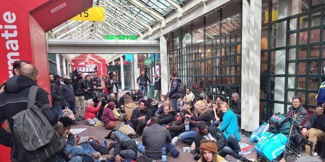 Geen gesprek Van der Laan met asielzoekers ondanks bezetting