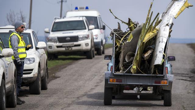MH17-onderzoeker Ron Smits ontvangt lintje
