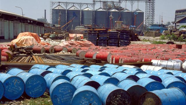 Amerikaanse olie kort onder 40 dollar per vat