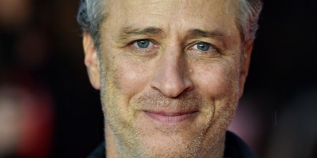 Boekverkoop vrouw van Jon Stewart stijgt door promotie in Daily Show
