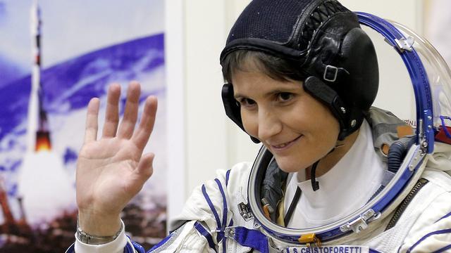 Timelapse-video toont reis boven Europa vanuit de ruimte