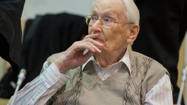 Kampbewaarder Auschwitz vraagt om vergiffenis in Duitse rechtbank