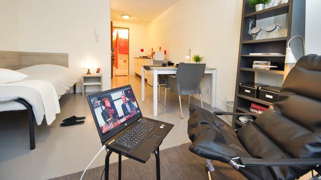 Nederlander kijkt minder live televisie, ondemandgebruik fors gestegen