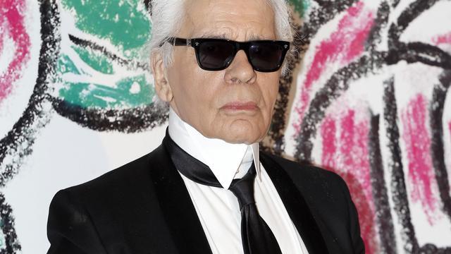 Modeontwerper Karl Lagerfeld wordt gecremeerd zonder dienst