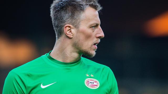 PSV licht optie en verlengt contract doelman Pasveer tot 2018
