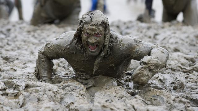 In Biddinghuizen spelen dit weekend volwassenen in modder