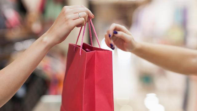 Vertrouwen consumenten naar hoogste niveau in acht jaar