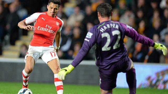 Wenger verbaast zich over productieve Sanchez