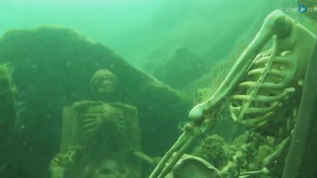 Duiker treft twee skeletten aan op bodem van Colorado River