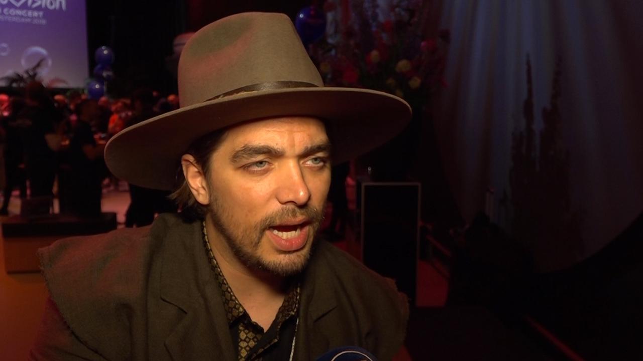 Waylon: 'Gekkies met rare pakken blijf je houden op Songfestival'