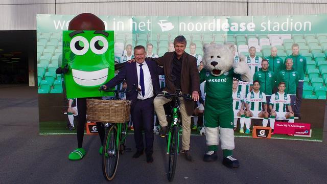 FC Groningen daagt Groningers uit om vaker de fiets te pakken