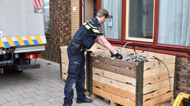 Politie treft busje aan met spullen voor hennepkwekerij in Bergen op Zoom