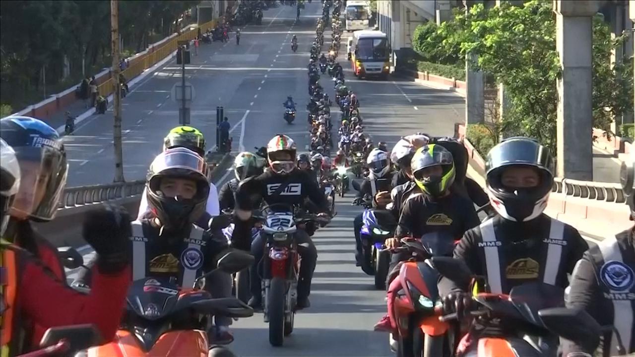 Ruim 10.000 motoren in protest tegen kenteken in Manila