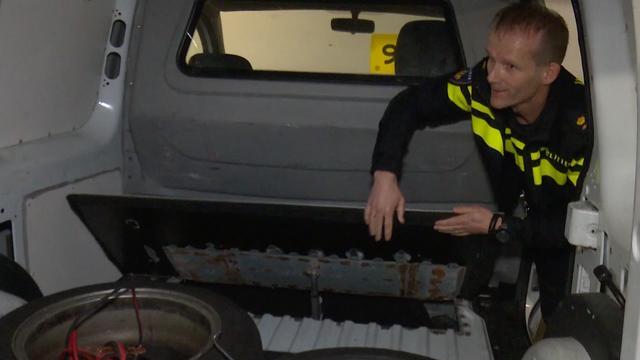 Politie Rotterdam: 'Steeds vaker ingebouwde smokkelruimtes aangetroffen'