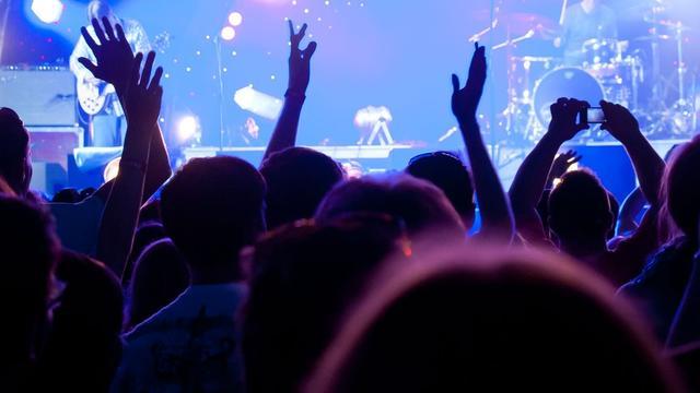 Geen servicekosten terug bij afgelast concert: 'Dat is in strijd met de wet'