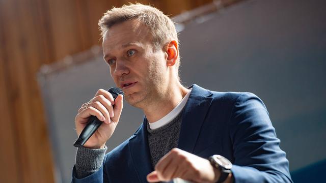 Russische oppositieleider Navalny kan af en toe uit bed komen