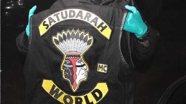 Wapens en drugs gevonden bij inval clubhuis en leden Satudarah