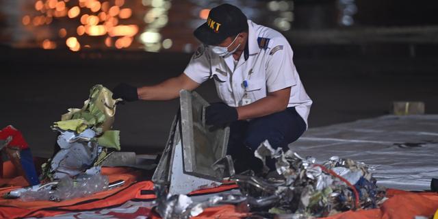 Apparaat dat zwarte doos gecrasht vliegtuig Indonesië moet vinden beschadigd
