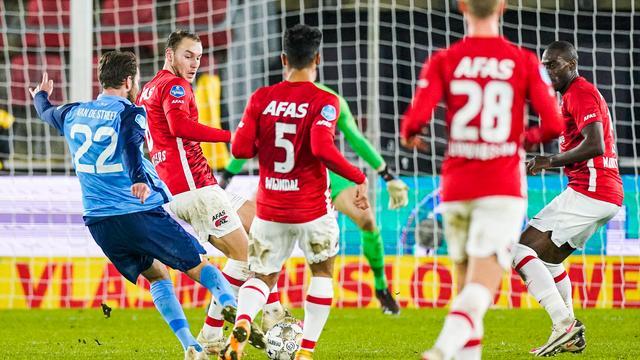 Sander van de Streek schoot FC Utrecht met een schitterende uithaal naar de zege in Alkmaar.