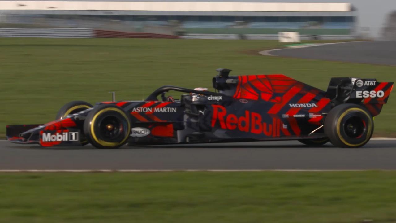 Verstappen rijdt eerste ronden in nieuwe Red Bull