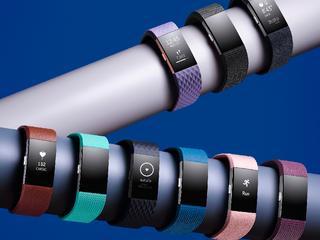 'Horloge komt in drie kleurencombinaties'