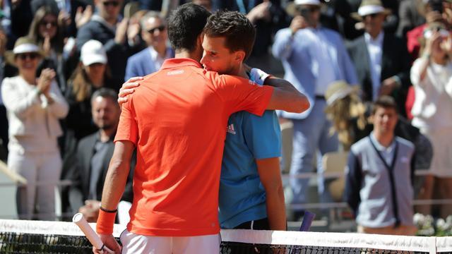Thiem verslaat Djokovic en speelt weer tegen Nadal in finale Roland Garros