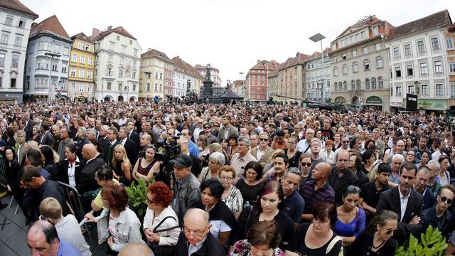 Duizenden Oostenrijkers bij stille tocht Graz