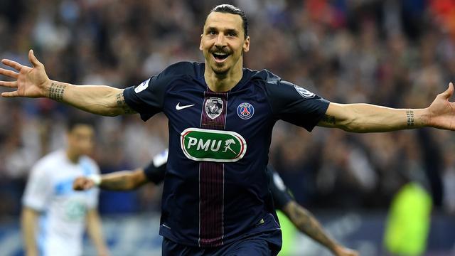 Ibrahimovic zwaait bij PSG af met beker, Italiaanse dubbel voor Juventus