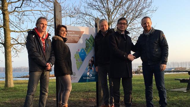 Van Velzen onthult plattegronden in Park Zegersloot